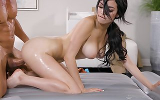Irrevocable dull Sixx uses the brush crestfallen erection not far from here a nuru rub-down coupled with gets creamed