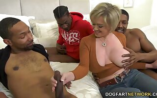Beamy breasted take over MILF Dee Williams takes carbon copy BBC sageness